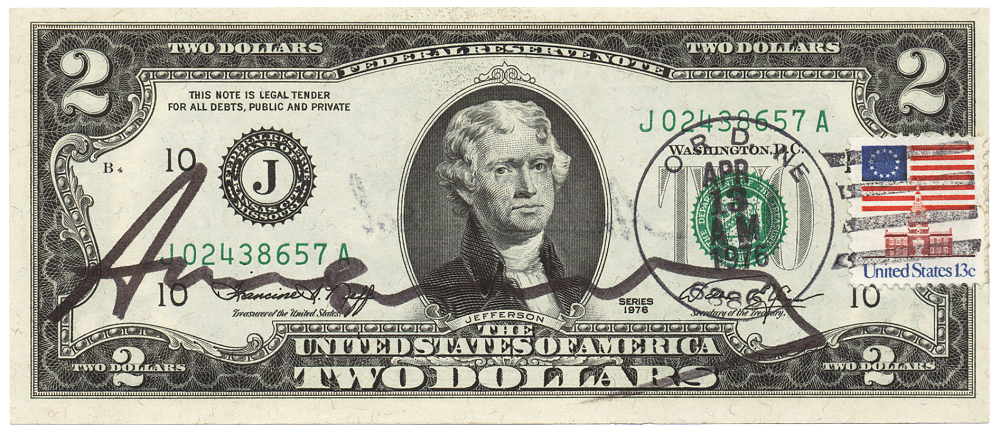 Andy Warhol - Two Dollar Jefferson (1976), Original-Banknote (2 $), mit aufgeklebter Briefmarke, Poststempel, 6,7 × 15,7 cm, © 2020 The Andy Warhol Foundation for the Visual Arts, Inc. / Licensed by Artists Rights Society (ARS), New York, Repro: Hermann Büchner