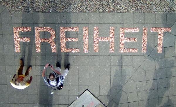Ralf Kopp: »Gier frisst: FREIHEIT« – Installation im öffentlichen Raum, 2014 – Foto: Ralf Kopp
