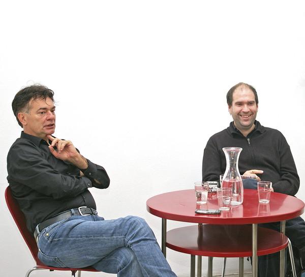 Aus der Serie CONVERSATIONS: Werner Kogler (Die Grünen), Herwig Höller (Falter), Günther Holler-Schuster & Martin Behr (G.R.A.M.), Oktober 2011