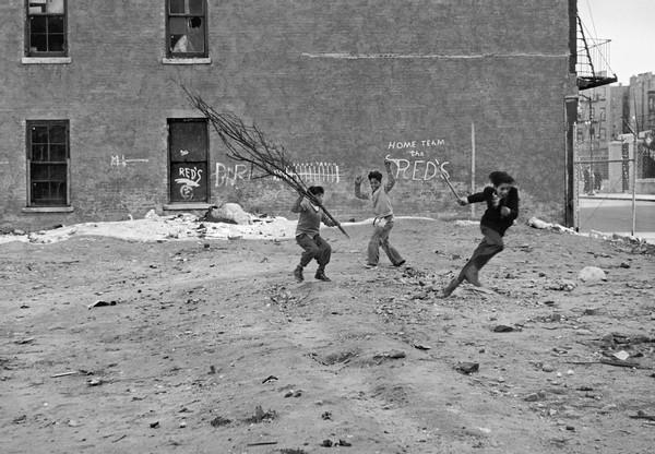 Helen Levitt, New York, c. 1942
