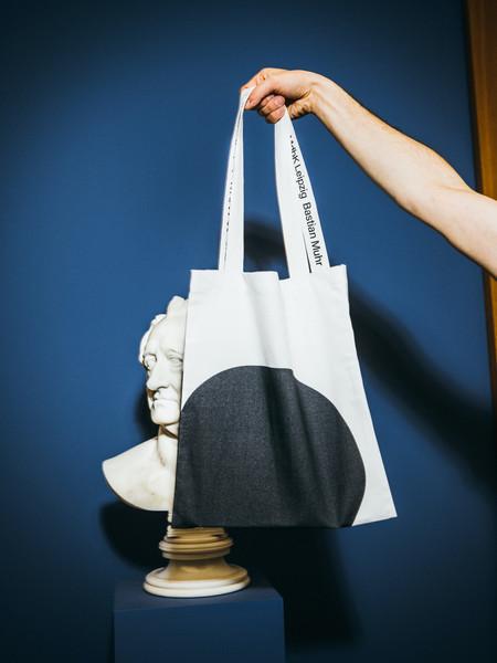 BASTIAN MUHR_WFZ 19–20_artist-edition-handbags at MDBK