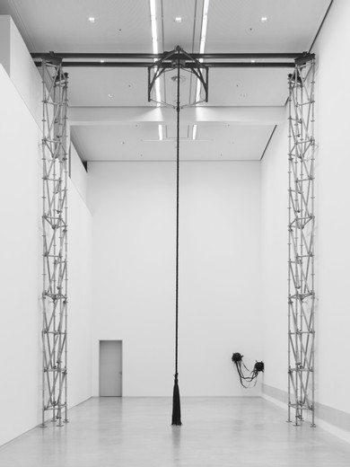 Monica Bonvicini, Breathing, scaffolding, steel construction, pneumatic cylinder, compressor, rope, synthetic fiber, belt dimensions variable; dimensions variable , 2017, unique