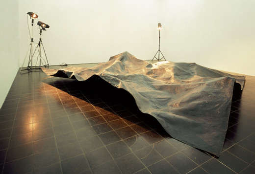 Michael Sailstorfer, Cast of the surface of the dark side of the moon, fiberglass, 2005, 100 x 400 x 400 cm, 3/3 + 2 AP