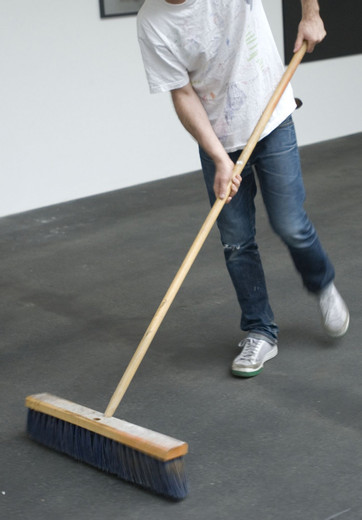 Paul Sietsema, Broom, found push broom, 1999 - -, 154.94 x 53.34 x 12.7 cm
