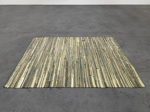 Michael Sailstorfer, Teppich, police uniforms, 2013, 265 x 200 cm