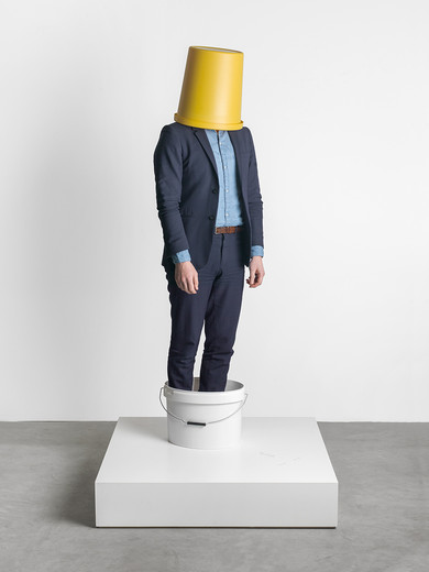 Erwin Wurm, 2 Buckets, One Minute, performance, 1998