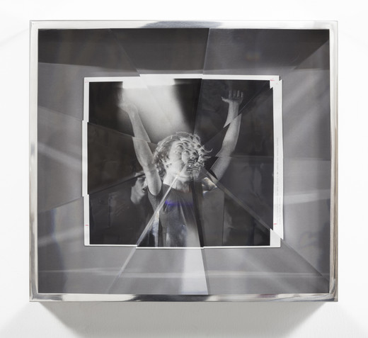 Jeremy Shaw, Towards Universal Pattern Recognition (Teen Challenge. Apr 7, 1983), archival silver gelatin photograph, acrylic, chrome, 2016, 48 x 52.50 x 16 cm, unique