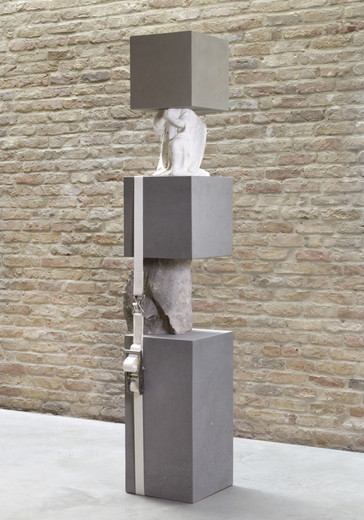 Jose  Dávila, Fundamental Concern VIII, San Andrés stone volumes, concrete board volume, plaster, rock, ratchet strap, 2018, 226 x 48 x 44 cm, unique