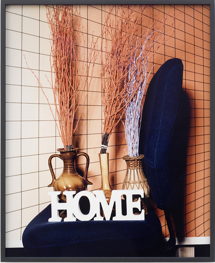 Annette Kelm, Home Home Home / Flashlight, c-print, framed, 2015, 70.5 x 55 cm, 1/6 + 2AP