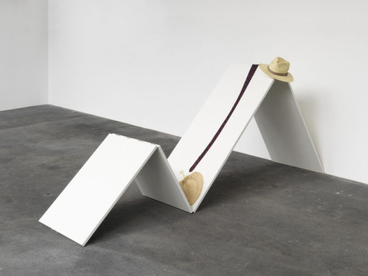 Tom Burr, Worn (For Mr. Capote), wood, tie, straw hat, straw fan, paint, 2005, 105 x 60 x 243 cm, unique