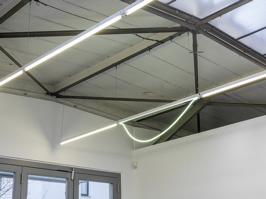 Alicja Kwade, Heavy light (2), neon tube, socket, 2015, 43 x 145 x 4 cm, unique