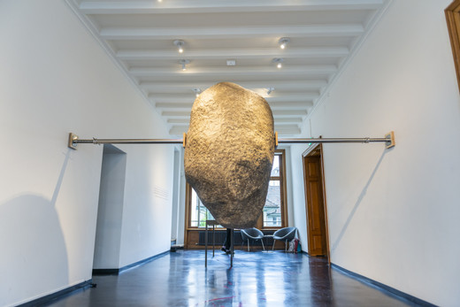 Elmgreen & Dragset, Hanging Rock, epoxy, lacquer, aluminium, 2017, total approx. 265 x 110 x 410 to 510 cm, 70-75 kg, unique