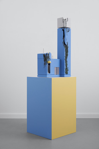 Andreas Schmitten, First there is a house, then there is no house, then there is, wood, paint, mixed media, 2018, sculpture: 105 x 47 x 53 cm, plinth: 100 x 63 x 63 cm,    © photo Andreas Fechner