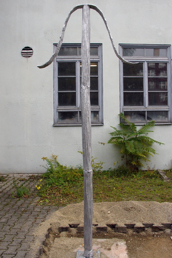Erik Steinbrecher, o. T. (1), aluminium casted iron, 2010, 300 x 90 x 10 cm, Unique
