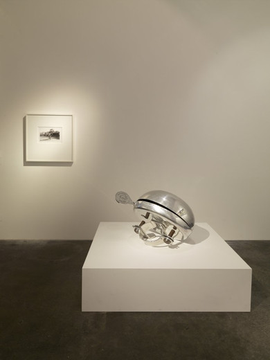 Ydessa Hendeles, Canadian Child, over-sized bicycle bell, familyalbum photograph (inkjet print), 2009, sculpture: 81 x 61 x 56 cm plinth: 34.3 x 121.9 x 121.9 photo: 21 x 29.5 cm (print); 62.5 x 57.8 cm (frame), Edition of 3 +1 AP