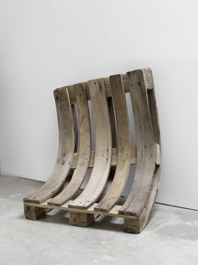 Alicja Kwade, Used and Tired, pallet, 2015, 85 x 80 x 40 cm, unique