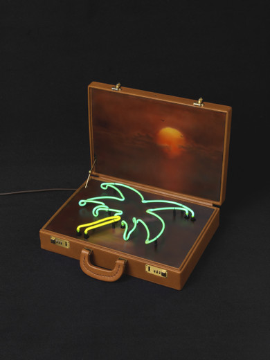 Friedrich Kunath, The Sun Recognized My Life, suitcase, acrylic on wood, neon tubes, transformer, electric cable, 2014, 39 x 43.80 x 39 cm