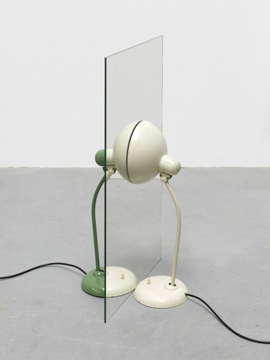 Alicja Kwade, Parallelwelt (weiß/grün), Kaiser-Idell lamps, one double sided mirror, 2014, 83 x 45 x 45 cm, unique