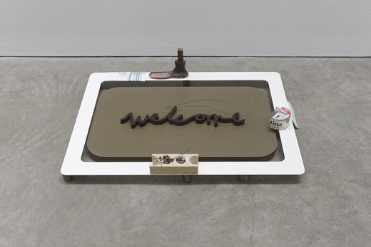 Helen Marten, Welcome welcome welcome (which bush that bush: Tina), Corianguss und Einlegearbeite aus Corian,  Stahlrahmen, Mixed Media, 2013, 107 x 73 x 12 cm