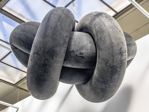 Michael Sailstorfer, Wolke, Berlin, rubber tyre,  steel cable, 2015, dimensions variable, unique character
