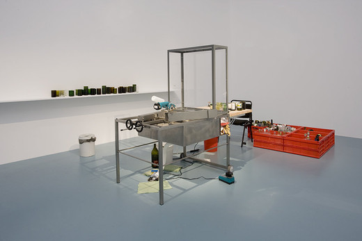 Tue Greenfort, Mobile Trinkglaswerkstatt (II), grinder, drill , rubber tube, iron, bottles, 2007, dimensions variable, Unique character