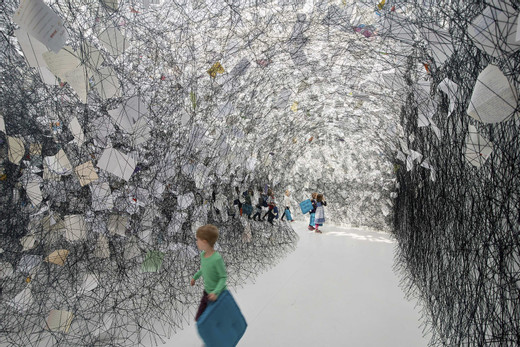Chiharu Shiota, Letters of Thanks, 2017, Installation: thank-you letters, black wool Kunsthalle Rostock, Germany Photo by Fotoagentur Nordlicht © VG Bild-Kunst, Bonn, 2020 and the artist