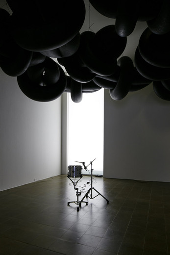 Michael Sailstorfer, Clouds - Biel, rubber tyre, steel cable, 40 parts, 2015