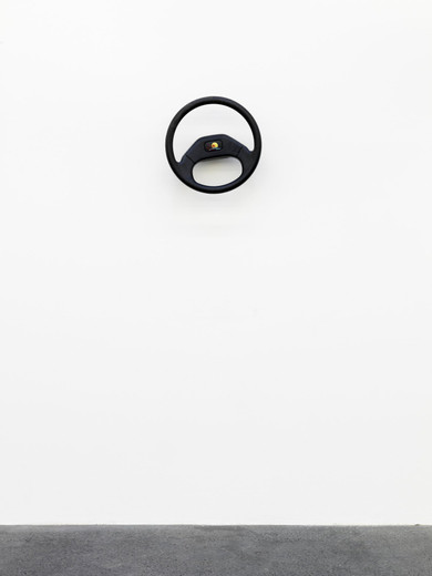 Michael Sailstorfer, Lenker (1), Steering wheel, electric motor, 2012, 36 x 36 x 15 cm, unique