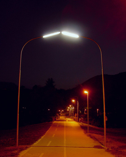 Michael Sailstorfer, Elektrosex, streetlights, electric elements, 2005, 600 x 520 x 25 cm dimensions variable, 3/3 + 2 AP