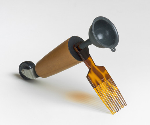 Amalia Pica, Catachresis ♯68  (leg of the chair, teeth of the comb, neck of the funnel), found materials, 2016, 20 x 8 x 23 cm, unique