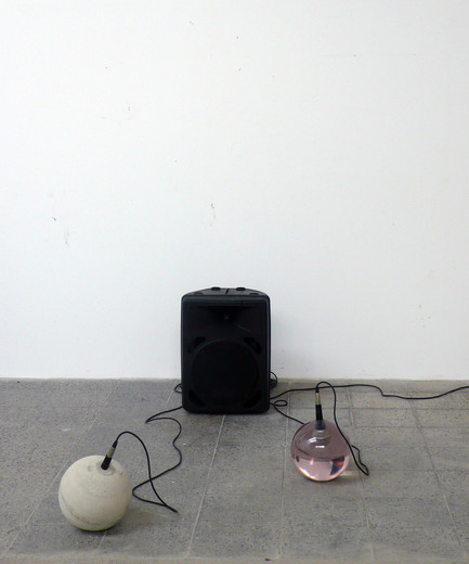 Michael Sailstorfer, Versuchsreaktor (experimental reactor), concrete, iron, epoxy resin, polyester resin, Polyurethane resin, microphone, speakers, mixer, 2008, dimensions variable, unique