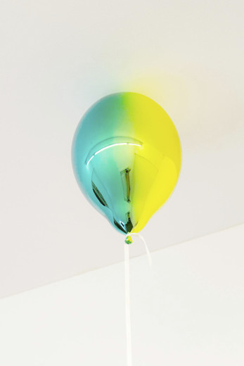Jeppe  Hein, Medium Yellow and Dark Turquoise Mirror Ballon (vertical), glass fiber reinforced plastic, chrome lacquer, magnet, string (white smoke), 2019, 40 x 26 x 26 cm, unique