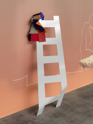 Helen Marten, Happy drunks, soggy blueprints (1), powder-coated steel, printed vinyl, stitched fleece, 2011, 127 x 37 x 35 cm