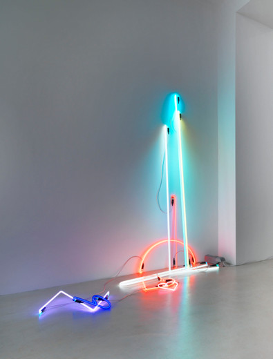 Anselm Reyle, Untitled, neon tubes, cable, transformer, 2013, 180 x 220 x 80 cm, unique