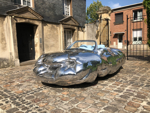 Erwin Wurm, Fat Convertible, aluminium, polished and lacquered, 2019, 138 x 240 x 450 cm