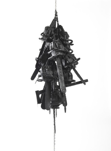 Monica Bonvicini, Latent Combustion #2, chainsaws, black polyurethane, matt finish, steel chains, 2015, 300 x 120 cm, unique