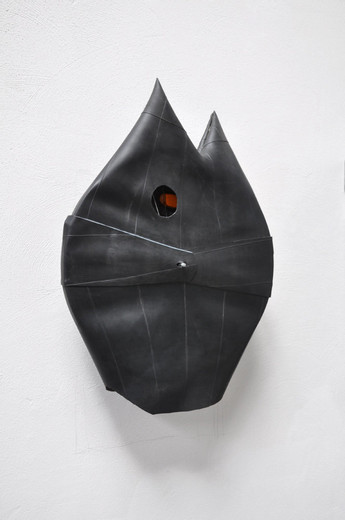 Michael Sailstorfer, Katze, bicycle rim, rubber, 2012, 80 x 55 x 20 cm, unique