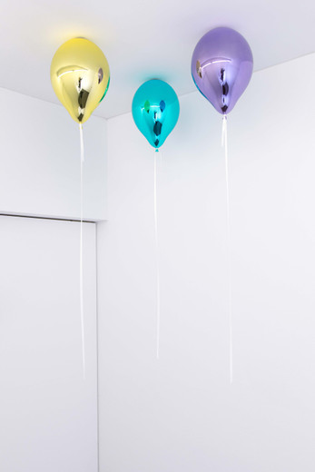 Jeppe Hein, Three Wishes for You (light yellow, coral blue I, medium violet), glass fiber reinforced plastic, chrome lacquer, magnet, string (white smoke), 2020, 3 balloons, each 40 x 26 x 26 cm; 15 3/4 x 10 1/4 x 10 1/4 in, unique