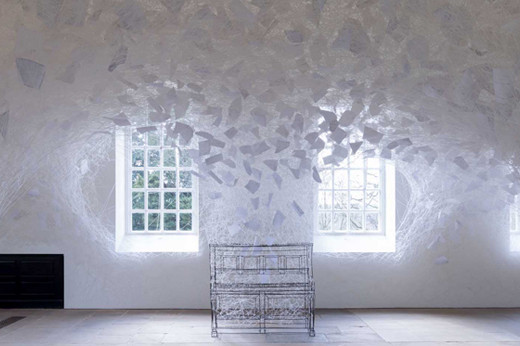 Chiharu Shiota, Beyond Memory, 2019, Installation: metal frame piano, white wool, note sheets Yorkshire Sculpture Park, Wakefield, UK Photo by Jonty Wilde, courtesy Yorkshire Sculpture Park © VG Bild-Kunst, Bonn, 2020 and the artist
