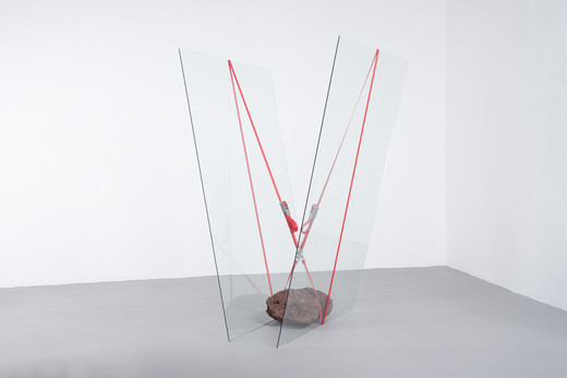 Jose  Dávila, Untitled, glass, rock and ratchet straps, 2016, 187 x 116.5 x 130 cm, unique