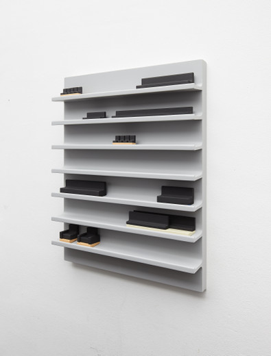 Andreas Schmitten, Eyes On, wood, lacquer, bookbinding linen, 2015, 114 x 75 x 12 cm, © photo Niels Schabrod