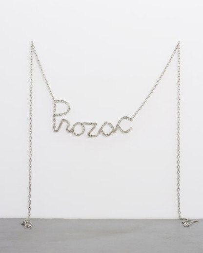 Monica Bonvicini, Prozac, nickel-plated steel chain, 2009, Total length approx. 900 cm, height variable, 3/3 + 1 AP