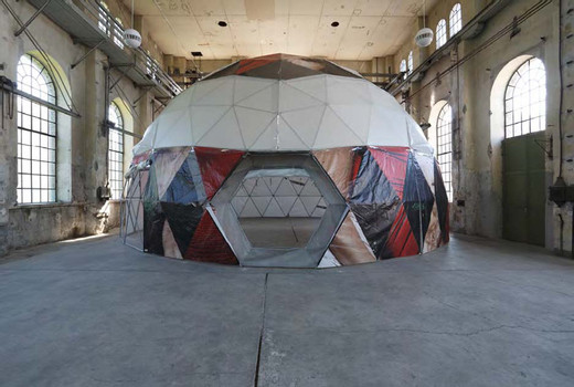 Tue Greenfort, Geodesic Tent Structure, Construction: galvanized steel tubes in 9 different lengths, membrane: recycled commercial vinyl mega-posters (building wraps), 2012, h = 650,  Ø 1,250 cm