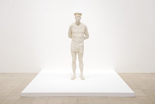 Mark Wallinger, Ecce Homo, White marbleised resin, gold-plated barbed wire, 1999 - 2000, 187 x 82 x 82 cm, AP 1/1, edition of 3