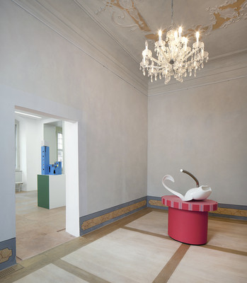 exhibition view, Gestrandete (right), First there is a house, then there is no house, then there is (left), photo: Ludger Paffrath