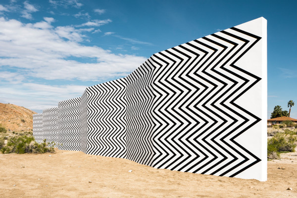 Claudia Comte, Curves and Zigzags, 2016/2017. Desert X, Palm Springs.