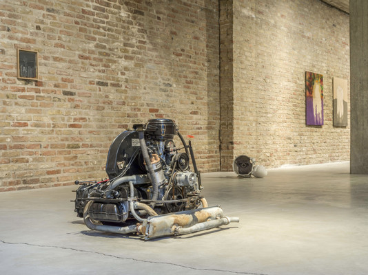 2019, Michael Sailstorfer, Sink, Sank, Sunk, KÖNIG GALERIE Chapel, exhibition view by Roman Maerz