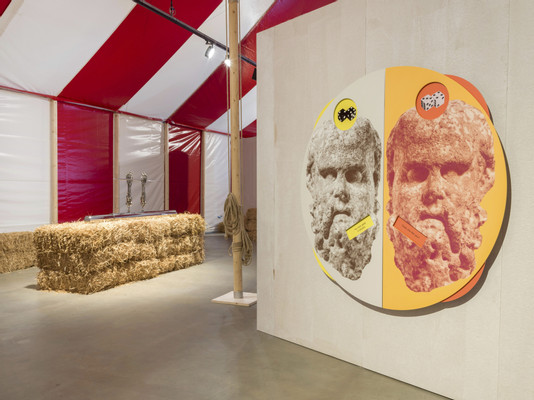 Kathryn Andrews, Circus Empire, 2019, installation view, Photo by Roman März. Courtesy the artist, KÖNIG GALERIE Berlin / London, David Kordansky Gallery, Los Angeles