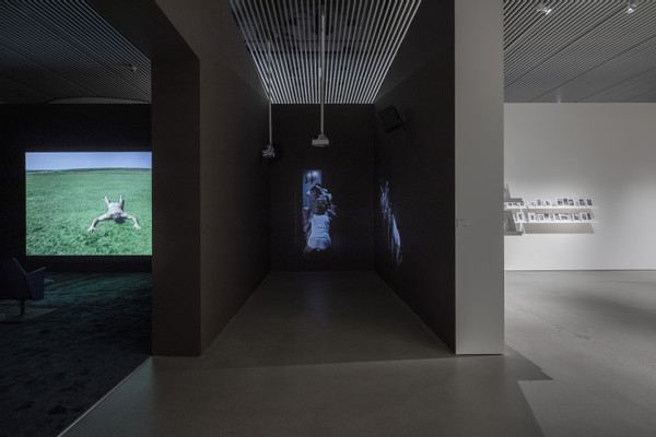 2019_Elmgreen & Dragset_Art & Porn_ARoS_exhibition view by Anders Sune Berg (9)